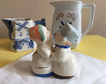 Dutch Boy and Girl Vintage Shaker