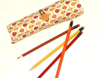 Ladybug Pencil Roll Case, Travel Pencil Holder, Coloring Organiser, Handmade Pencil Wrap, Creative Gift, Pencil Pouch, Gift Idea for Girl