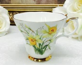 "Royal Albert Friendship orphan teacup ""Daffodil""."