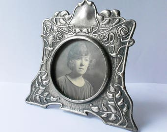 Art Nouveau Style Photo Frame, Vintage Look, Pewter Effect with Flowers