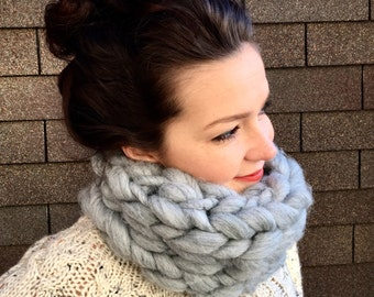 Chunky Knit Wool Blend Scarf in *light gray* - Cowl Neck Warmer