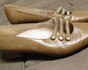 Vintage 50's shoes, 50's Van Dal low heel court shoes, button court shoes, 50's court shoes