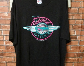 80's Rock n Roll Vintage Shirt Chery Belair in Front Of A Classic Diner T-Shirts XL USA