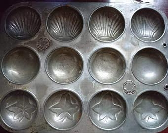 Vintage 1950's Ivy Shell and Plain 12 Cup Baking Tray Interior Design BoutiqueByDanielle