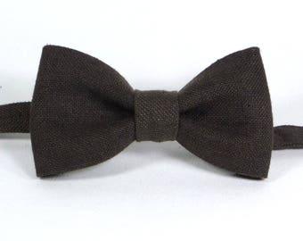 Mens Bowtie in Brown, Dark Brown Bow Tie, Chocolate bow tie, Bowtie for wedding, Rustic Wedding, Groomsmen Bow Tie, Wedding Bow Ties