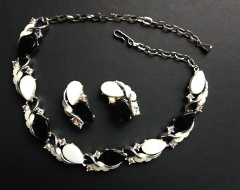 Vintage necklace and matching earring set