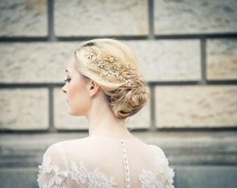 Hochzeit / Braut Haarschmuck / Haarkamm / Headpiece aus funkelnden Kristallblüten und Zweigen - Odette