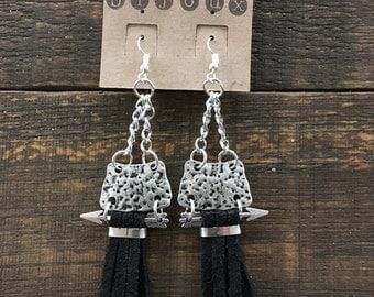 Earrings long fringes, arrows, black Sweden.