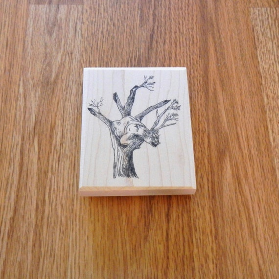 Lion In Tree 4 75 Tall X 3 75 Wide 1 Pc Sut