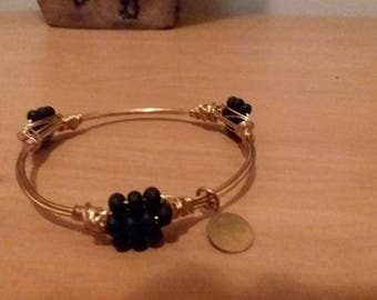 Black Beaded Gold Tone Wire Wrapped Bangle Bracelet size 7.5""