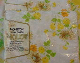 Daisies and Wildflowers / Vintage Pequot No Iron Luxury Muslin Full / Double flat sheet/ New In Package (NIP)