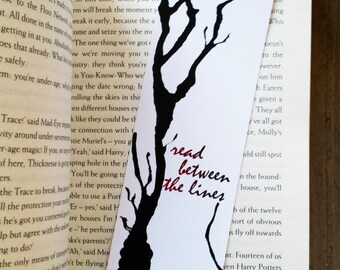 Bookmark Read between the lines, Paper Bookmark, Quote Bookmark, Handmade Bookmark, Gift for Readers, Bookmark Gift, Book Gifts, Bookmarks