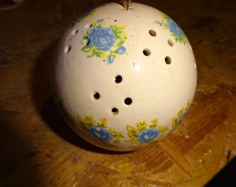Vintage English Pomander//Container for Pot Pourri