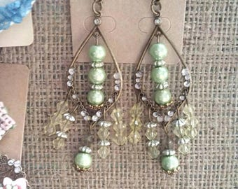 Long earrings with pearls