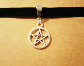 Pentagram witch choker black velvet