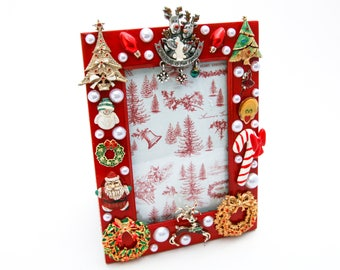 Christmas-Themed Jeweled Picture Frame