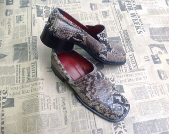 90s Moccasins in Python//Made in Italy//Vintage loafers Shoes//Vintage Python Shoes//90s vintage Shoes
