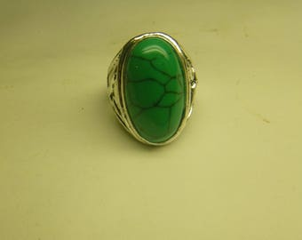 Turquoise solitare ring. New. size 8