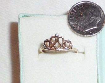 Estate 14k Yellow Gold Crown Disney Ring Diamond-look sz 5 Marked 14 K kt 14kt 1.0g Vintage Princess Snow White Ariel Beauty Castle Genuine