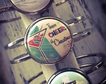 Christmas Bracelet, Holiday Bracelet, Christmas Jewelry,  Holiday Jewelry, Vintage, Santa, Santa Bracelet, Vintage Christmas Bracelet, Gift