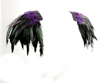 Feather epaulettes lilac black