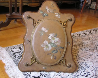 Victorian Oval Trifold Mirror