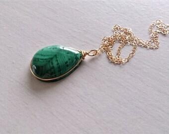 Malachite necklace, gold filled 14k, malachite pendant, gold filled necklace 14k gold filled, gift for her, minimalist necklace, green stone