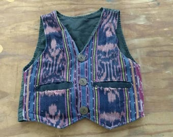 VINTAGE KIDS: woven Guatemalan vest with wooden buttons