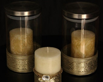 Golden detailed pattern candles