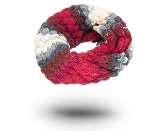 Womens Knitted Cowl Scarf Blisters Batik Wool