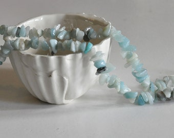 Approximately 160 beads/chips natural amazonite - 90 cm