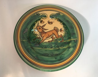 Dish smooth of ceramic of 24 cm. made and painted by hand with themes of Montería. Single piece.