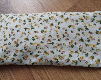 Organic Lavender and Flaxseed Eye Pillow for Yoga/Relaxation - Floral Print