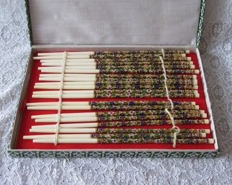 10 pairs of beautiful vintage chinese chopsticks made out of fish bone and cloisonne 1970s boxed beautiful detail  景泰藍筷子 Jǐngtàilán kuàizi