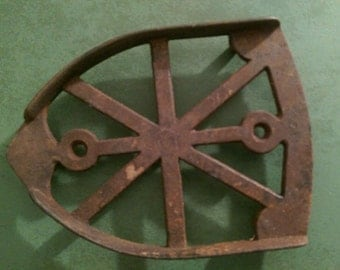 Antique Cast Iron footed sad flat Iron stand footed trivet