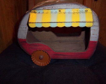 Vintage Looking miniature camper trailer