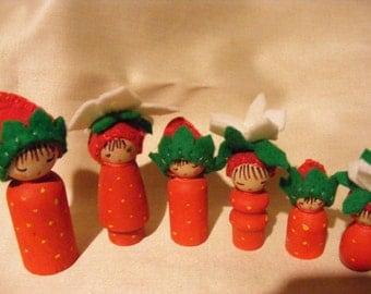 Little Strawberry Family Wooden Peg Felt Waldorf Inspired Craft