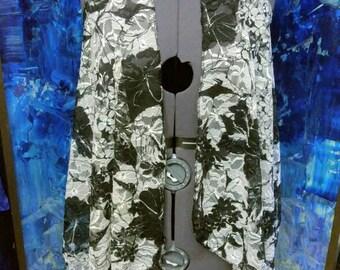 Lace Gothica Short Vest