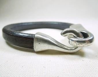 ref 0006 silver hook bracelet-