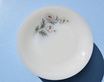 Vintage 70's / Lot 6 or 12 dinner plates / Arcopal Made in France / reason Marguerite / Daisy / decorated Opaline