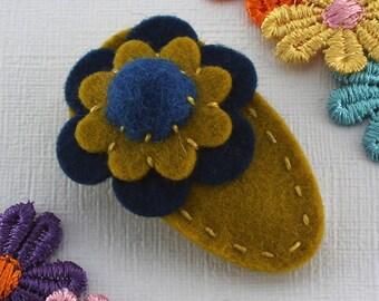 Girls Hair Clip / Flower / Merino Wool Felt / Non-Slip / Girls      Accessory / ORIGINAL DESIGN