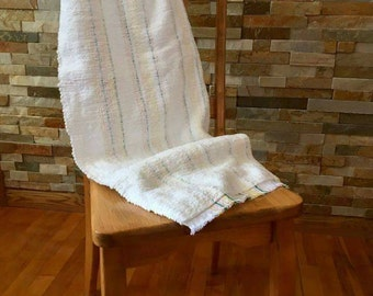 Baby blanket completely woven by hand. White. Baby blanket. Sweetness. Baby shower gift. Girl boy. Baptism.