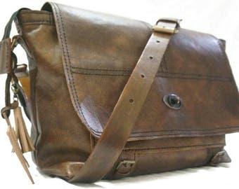 Woro Messenger Bag