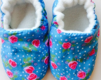 Handmade soft sole pre-walking baby shoe- pink roses