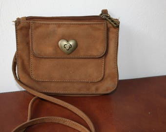 Small vintage clasp weathered heart bag