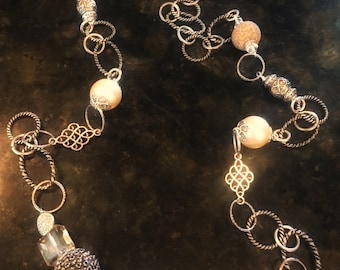 Necklace silver pearl