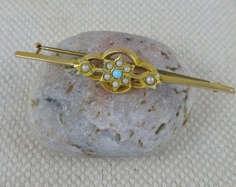 Antique EdwardianTurquoise & Seed Pearl Bar Brooch.  9ct gold brooch. Edwardian brooch. Turquoise Stones. Seed Pearls.