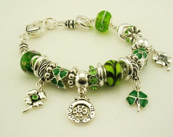 "Joan Rivers St. Patrick's Crystal Toggle   Charm  Bracelet  7 1/2"""
