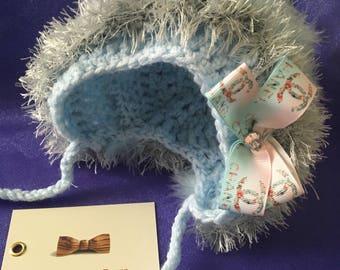 Crochet baby bonnet. Age 0-3 months