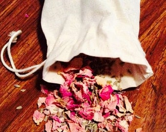 Herb bag - Organic pink rose petals and organic lavender sachet. Natural scent bags with fragrant herbs. :)